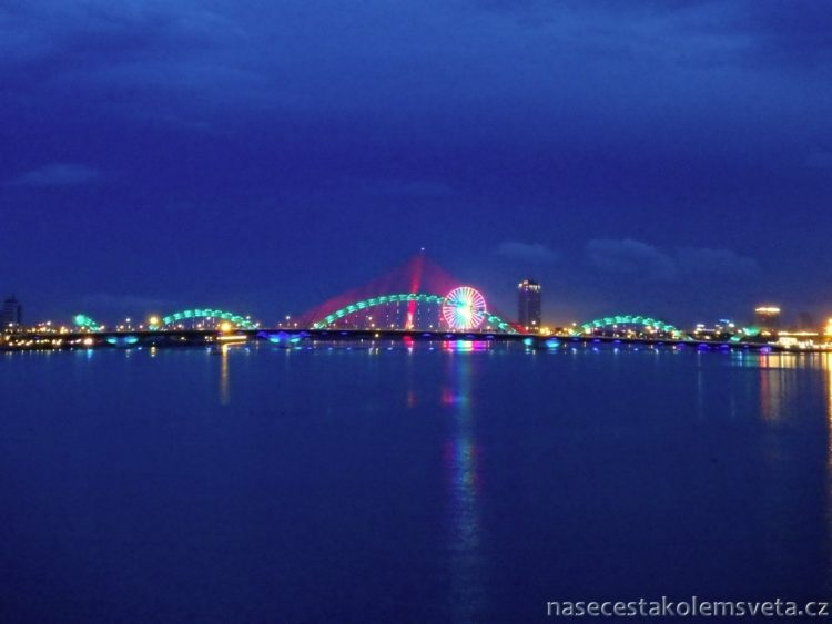 Da Nang at night