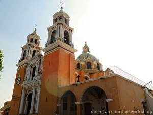 Kostel v Cholule