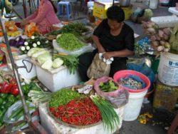 místní trh v Kambodže
