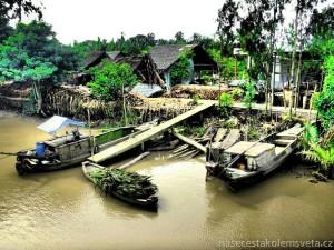 vesnička na řece Mekong