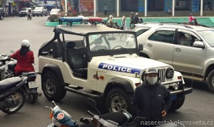 policejní auto Vietnam